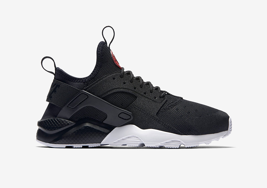 derivación mínimo Yogur  Nike Air Huarache Ultra GS Black Red 882144-001 | SneakerNews.com