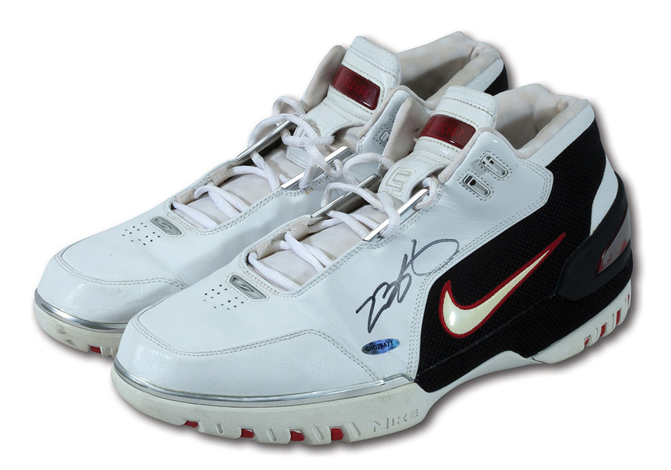 Nike Game Worn LeBron Shoes Auction