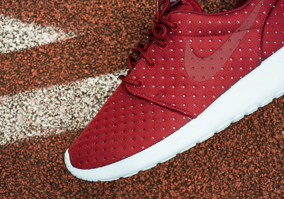 best online high fashion top design Nike Dripping Swoosh Air Max | NetComm Wireless