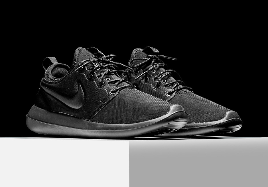 best website 60dff 2db1c Nike Roshe Two Triple Black 844656-001 | SneakerNews.com