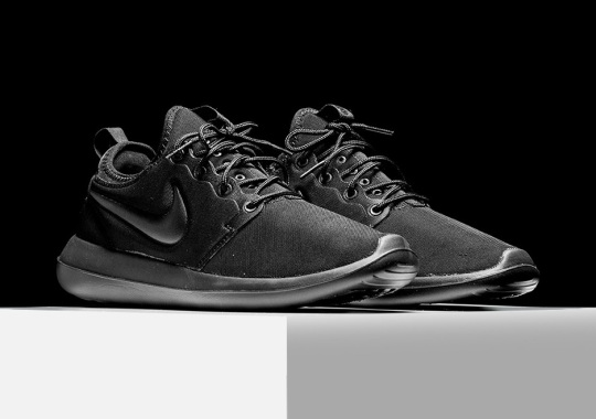 "Nike Roshe Two ""Triple Black"""