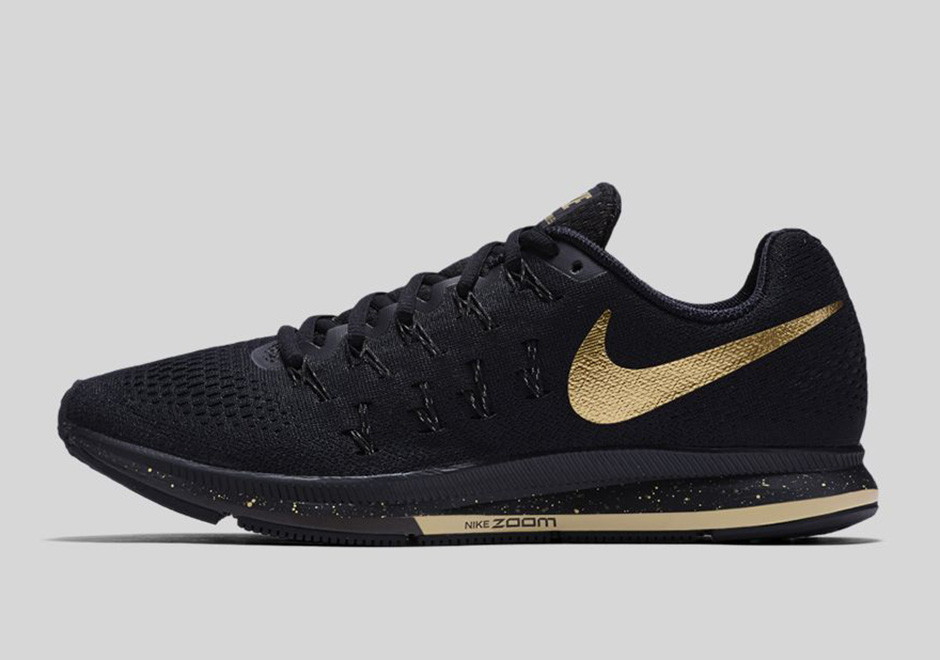 Nike Shoes Gold Swoosh Training
