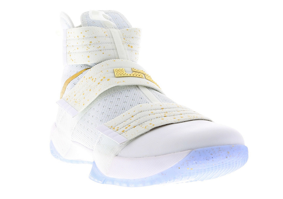 """finest selection ed305 7f469 Nike LeBron Soldier 10 """"Gold Swoosh"""""""