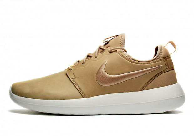 The Nike Roshe Two is finally here and it s wasting no time getting premium  Flyknit and leather overhauls for the upcoming Fall Winter 2016 season. a78a90068