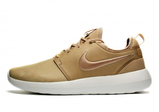 A Detailed Look At The NikeLab Roshe Two Premium