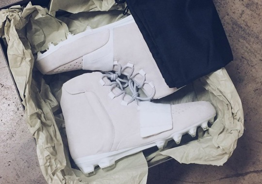 Von Miller Will Wear Yeezy Boost 750 Cleats To Kick Off 2016 NFL Season