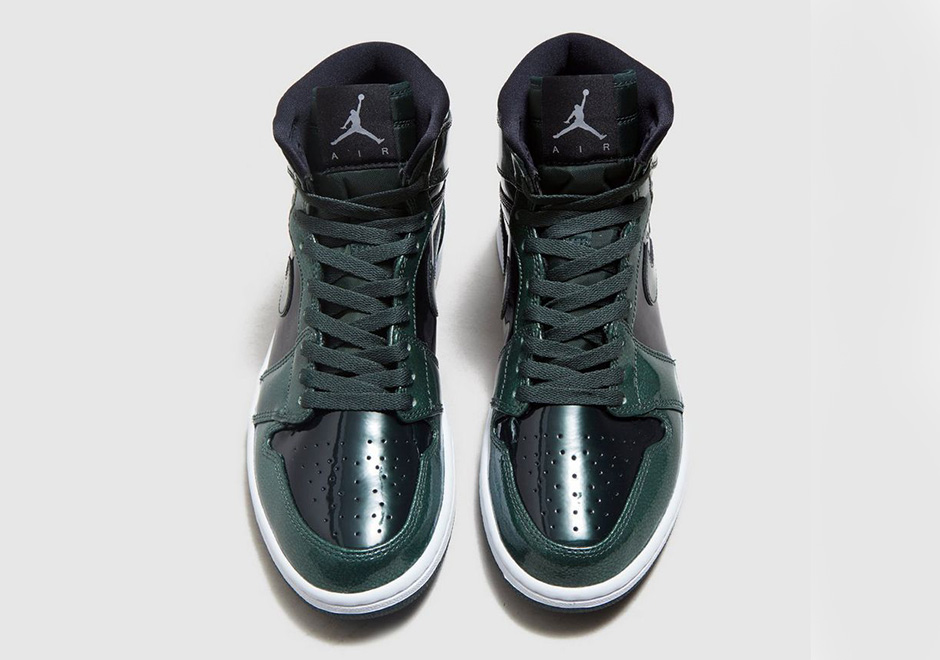 "4910904589cd Air Jordan 1 High ""Grove Green"". Color  Black Grove Green-White Style Code   332550-300. Price   160"