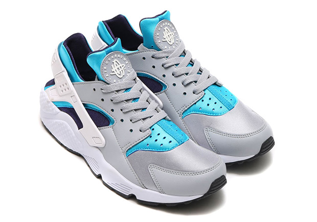 It appears that the Nike Air Huarache is trying to keep the summer vibes  alive as we enter fall f7b5b135a3a8