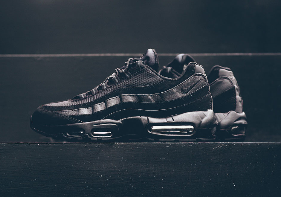 4660734490f63 ... anthracite mens shoes 609048 092 size 10d23 8256c; netherlands nike air  max 95 triple black 609048 092 sneakernews 3ee2d 7a13c
