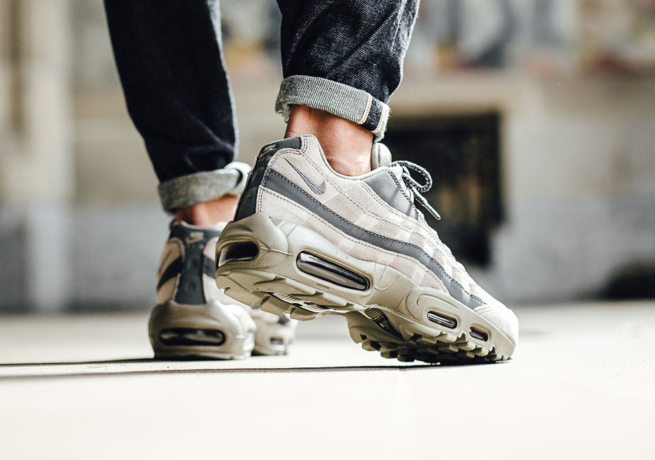 official photos 79a38 3e095 Nike Air Max 95 Essential