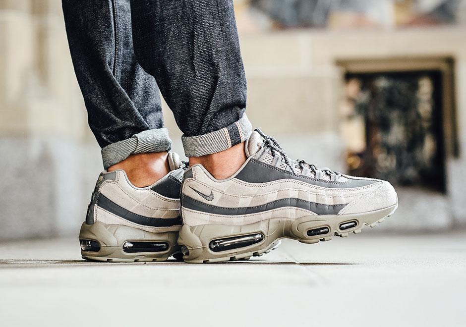 Nike Shoes Men's Air Max 95 Essential Light Taupe Dark Grey