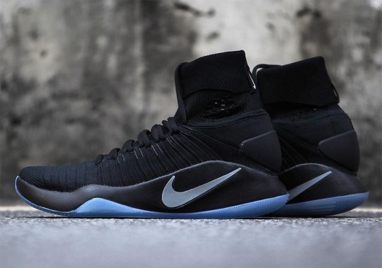 Triple Black Flyknit Hits The Nike Hyperdunk 2016 Elite