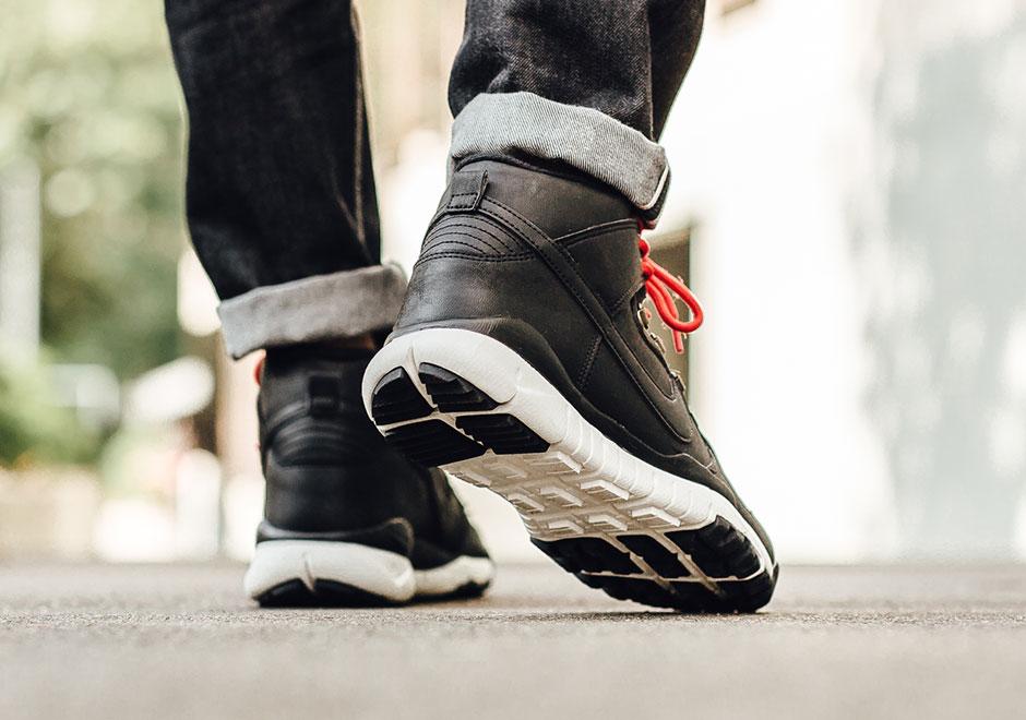 56b15dba9466 Nike SB Dunk High Boot Black 806335-012