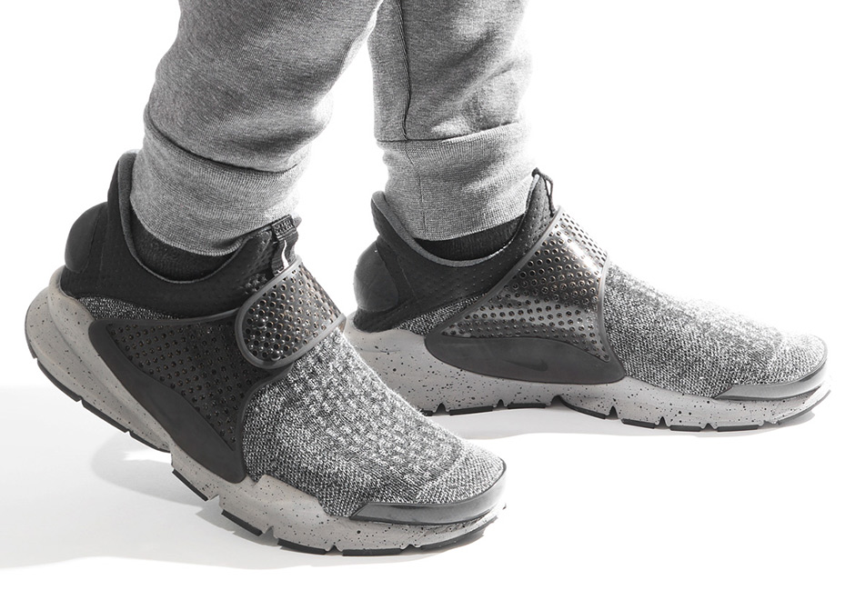 sports shoes 15f9a ae36f Nike Sock Dart SE Premium Detailed Look   SneakerNews.com