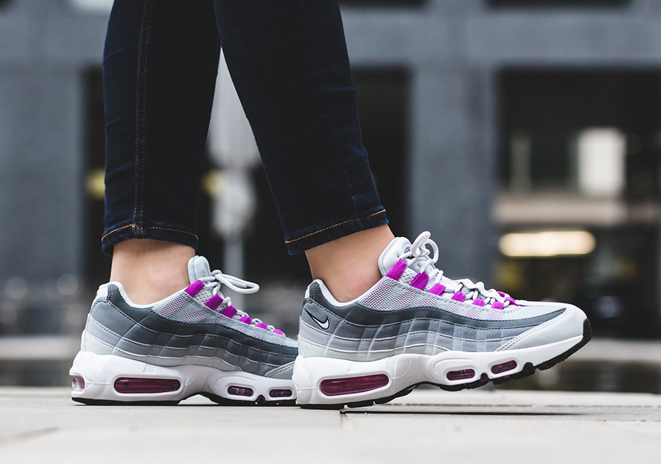 sports shoes 232ea 8cde7 Nike Air Max 95 Hyper Violet 307960-001 Women   SneakerNews.com