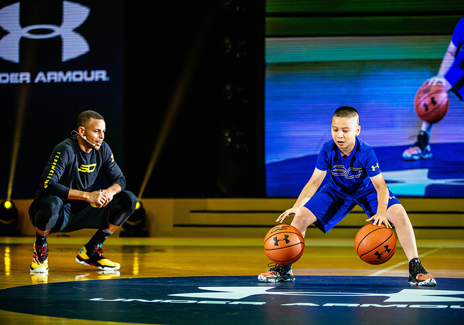 Steph Curry Laces Up The UA Curry 3 During Asia Tour - SneakerNews.com ec80d9af3a25