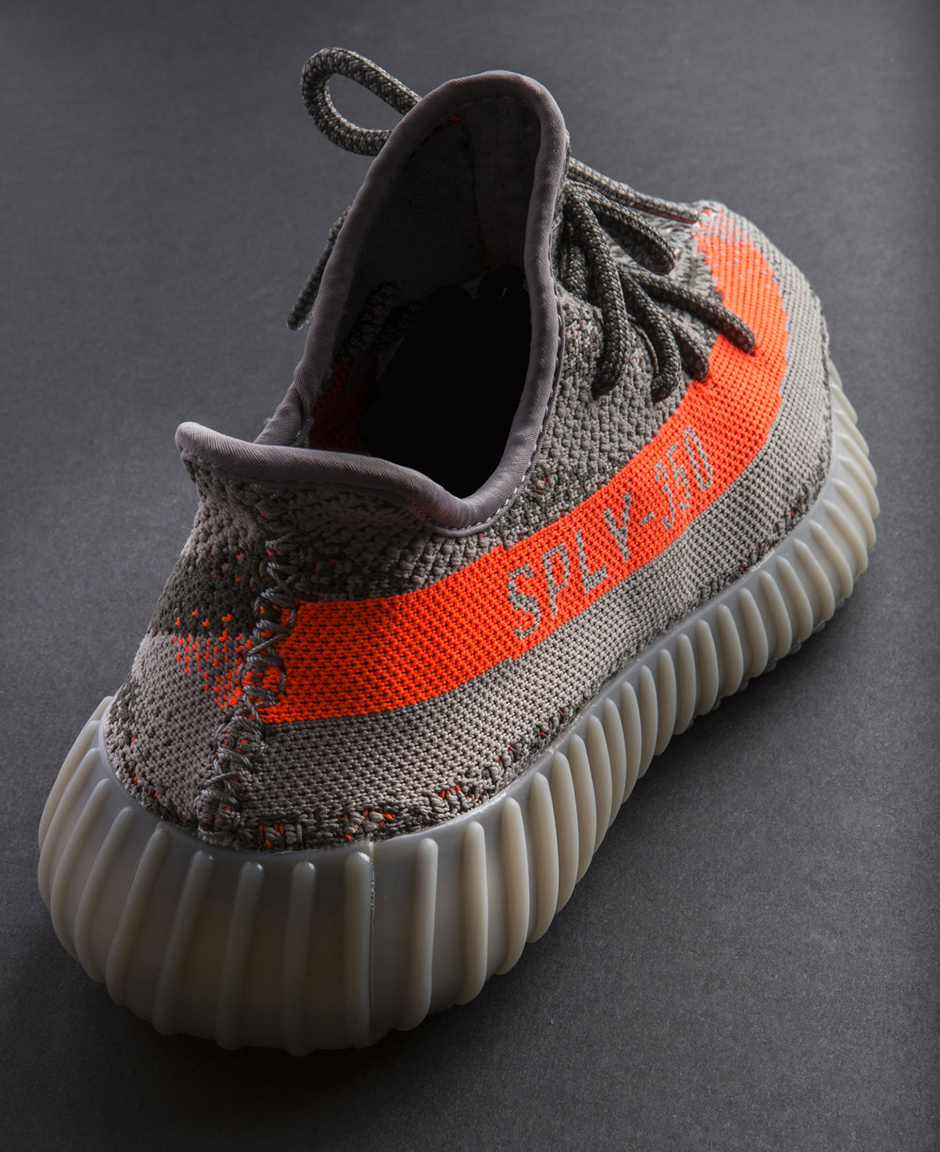 YEEZY BOOST 350 V2 TRAINERS SIZE 9 Hull, East Yorkshire