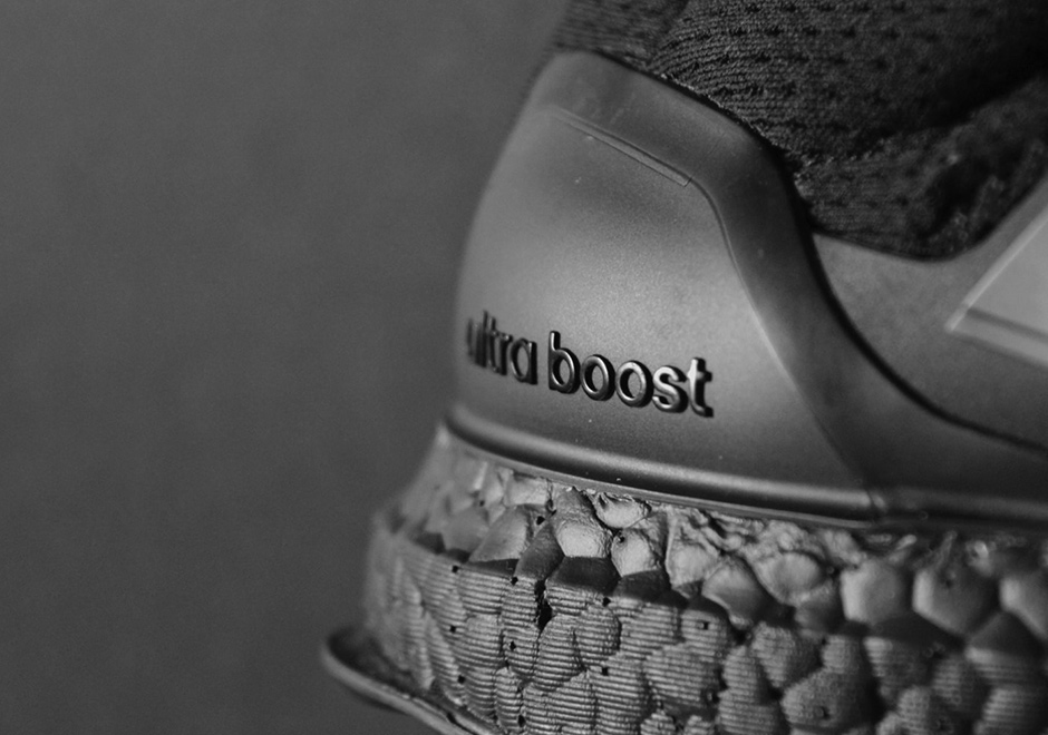 Adidas De Ultra Impulso De Triple Negro 1.0 Para La Venta jDgfM6