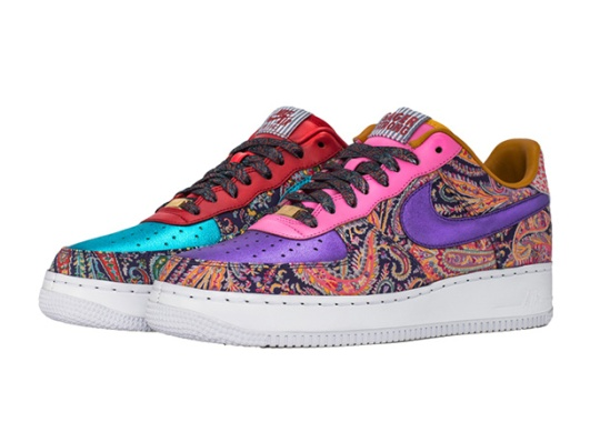 "Bleacher Report Auctioning Off 100 Pairs of  ""Sager Strong"" Air Force 1 Customs"