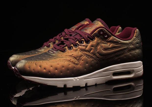 Nike Air Max 1 Ultra WMNS 861656 900 |