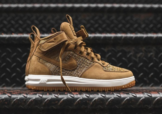 "The Nike Lunar Force 1 Flyknit Releases In ""Flax"""