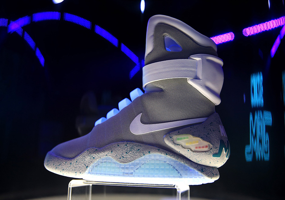 the latest a8c2e 50a09 Nike MAG London Auction Price  SneakerNews.com