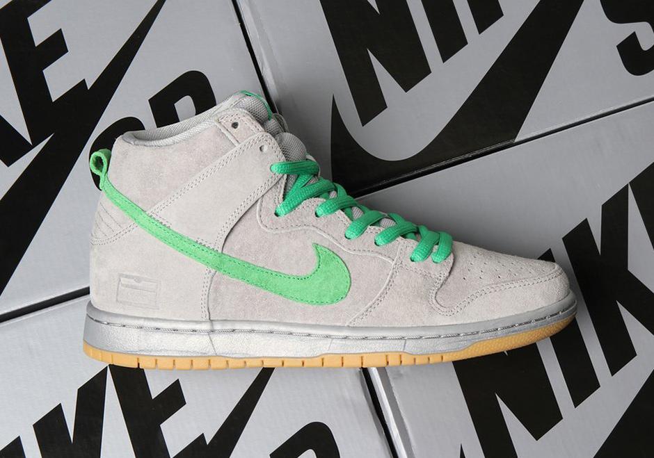 "huge sale 6319e 1d8c2 Nike SB Dunk High ""Silver Box"""