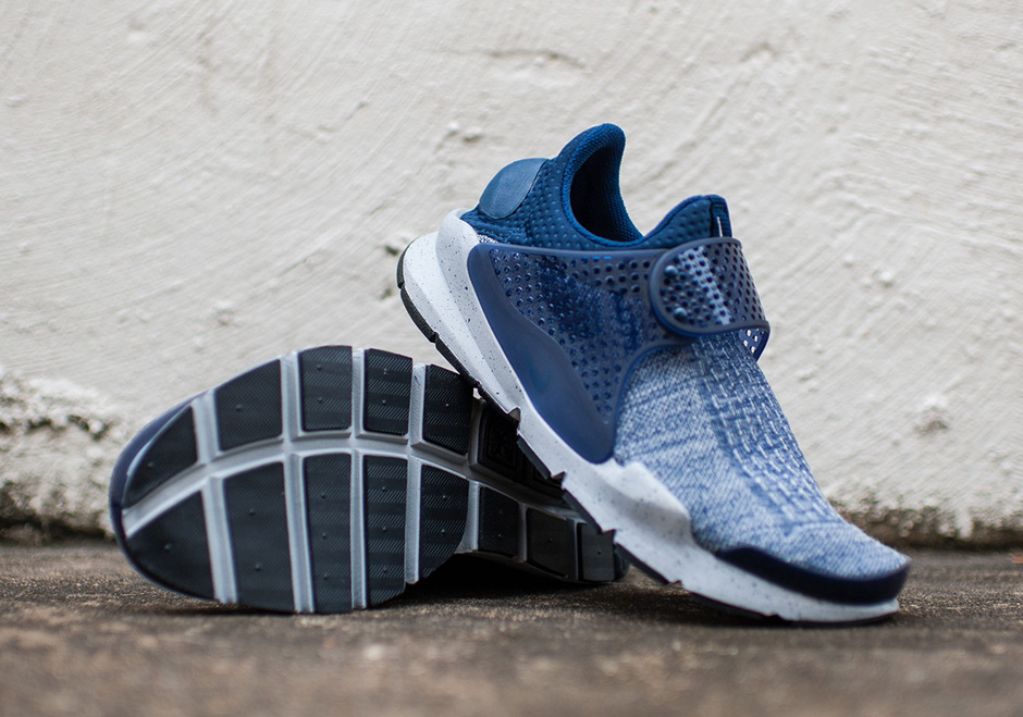 sneakers for cheap 576f3 e9cd9 Nike Sock Dart SE Premium. Color  Midnight Navy Midnight Navy-Wolf Grey-University  Red