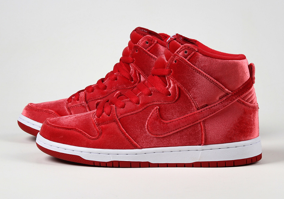 """lower price with ad09d 35363 ... Nike SB Dunk High """"Red Velvet"""" ..."""