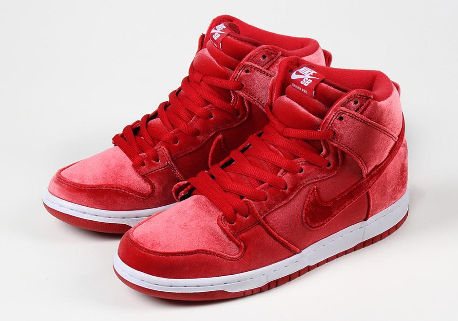 Nike SB To Release Velvet Dunks For Christmas