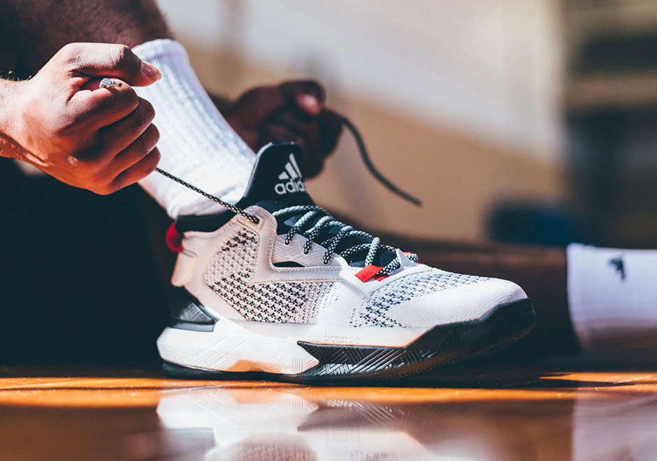 timeless design 185d8 2a4e1 ... italy the d lillard 2 primeknit rip city drops november 12th at adidas  and select adidas