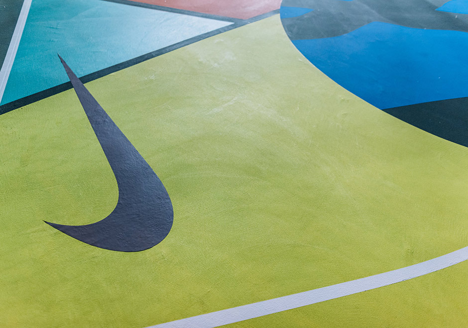 Nike Kaws Basketball Courts Nyc Sneakernews Com