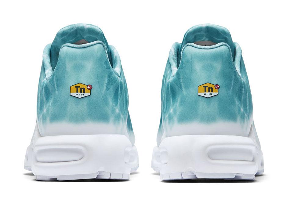 buy popular 6b992 aa557 Nike Air Max Plus Swimming Pool   SneakerNews.com