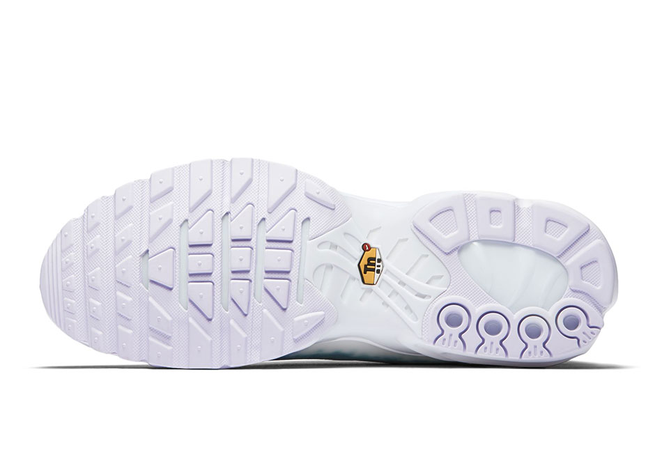 buy popular 45608 625d4 Nike Air Max Plus Swimming Pool   SneakerNews.com