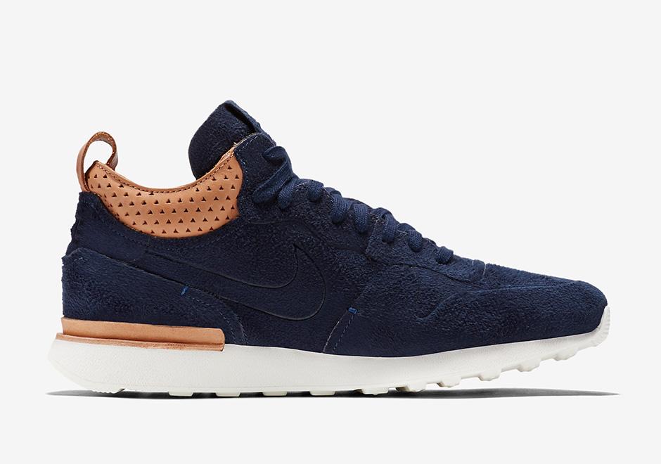 promo code a45ca 20b33 Nike Internationalist Mid Royal