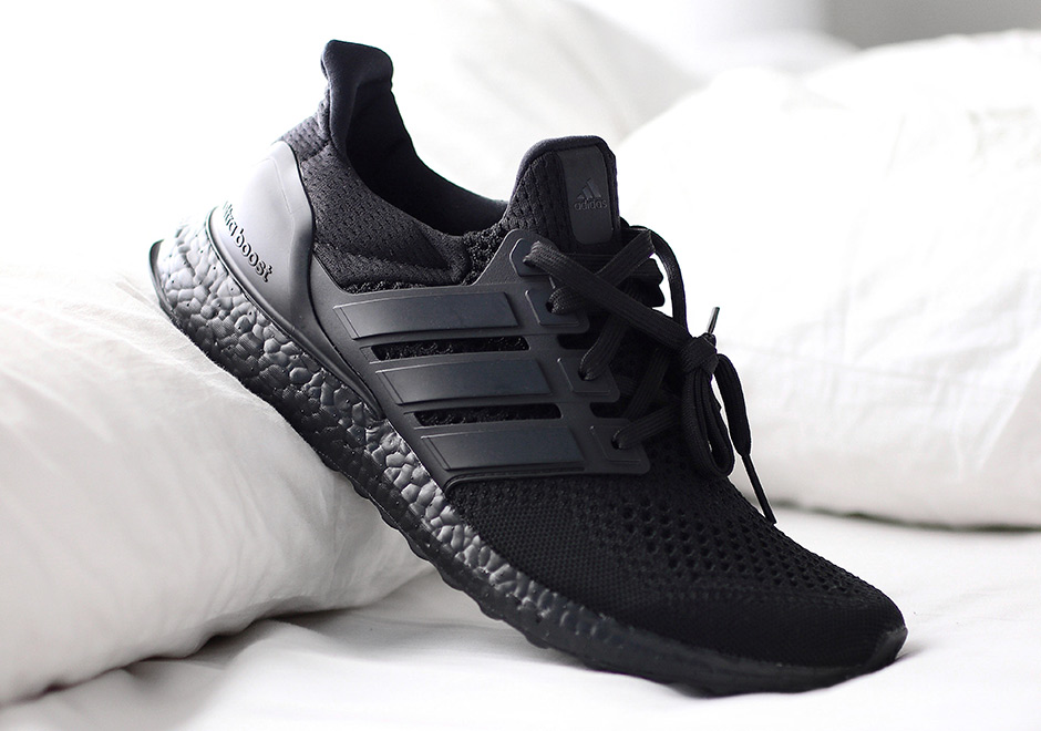 1975d3e9e adidas Ultra Boost Triple Black - Official Release Date ...