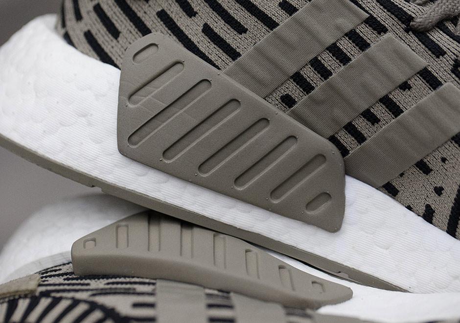 Menns Adidas Nmd R2 Primeknit Atletisk Sko s5iJjX