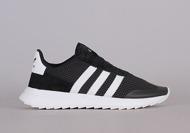 adidas Originals Damen Flashback Winter Sneakers Weiß