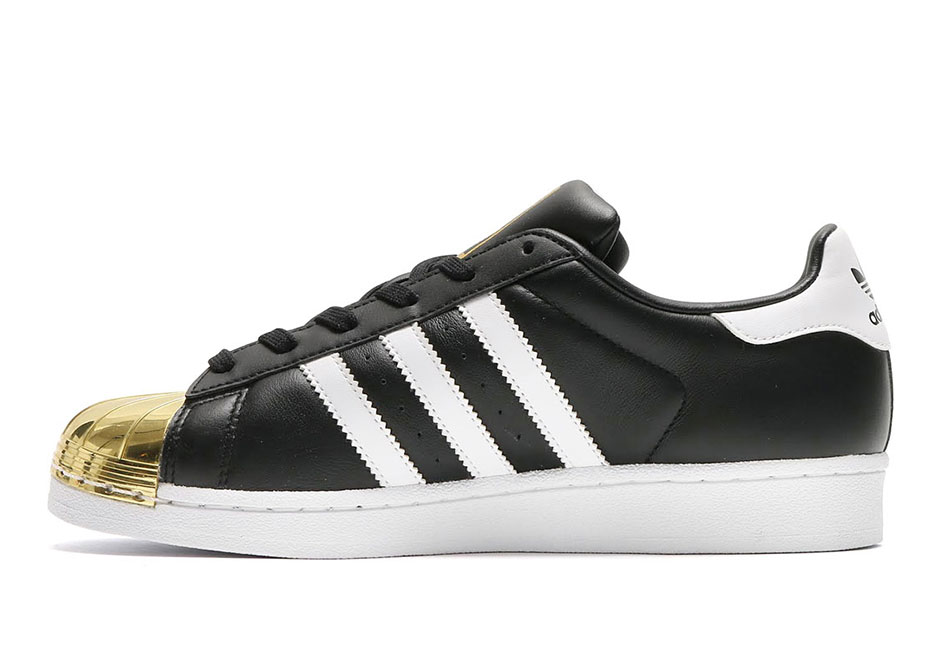 adidas superstar with gold tip
