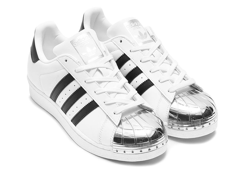 adidas Superstar \u201cGold Toe\u201d