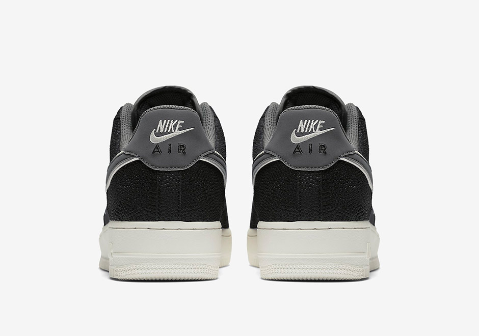 cheap for discount 920aa 14cdc Nike Air Force 1 07 LV8