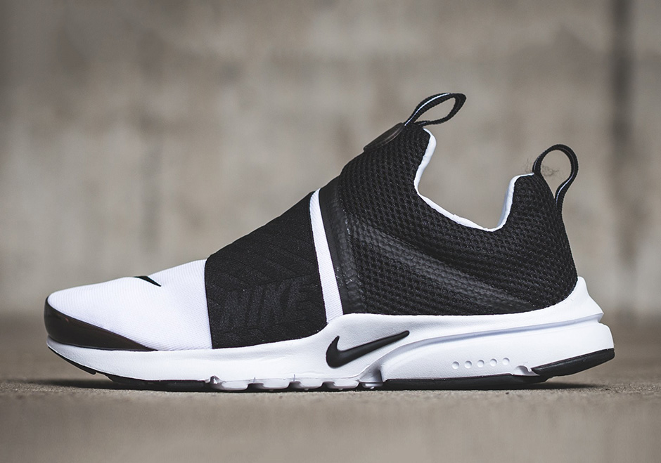 huge discount 2d839 40392 Nike Air Presto Extreme GS. Color WhiteBlack