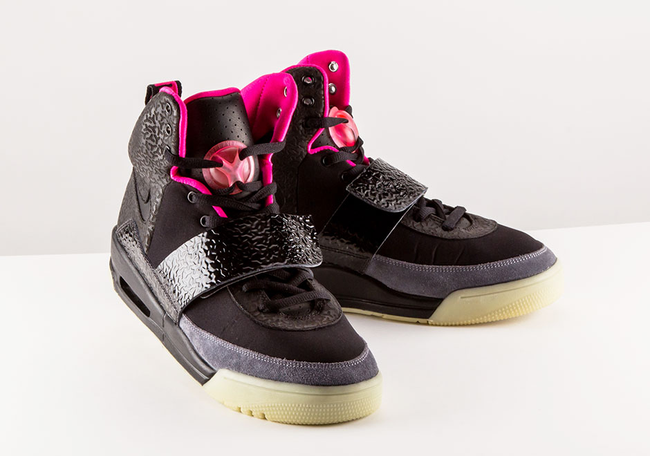 nike-air-yeezy-blink-release-date-history
