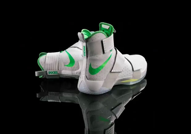 official photos 08f1f 733f5 The Oregon Ducks Will Wear A Nike LeBron Soldier 10 PE Against UCLA
