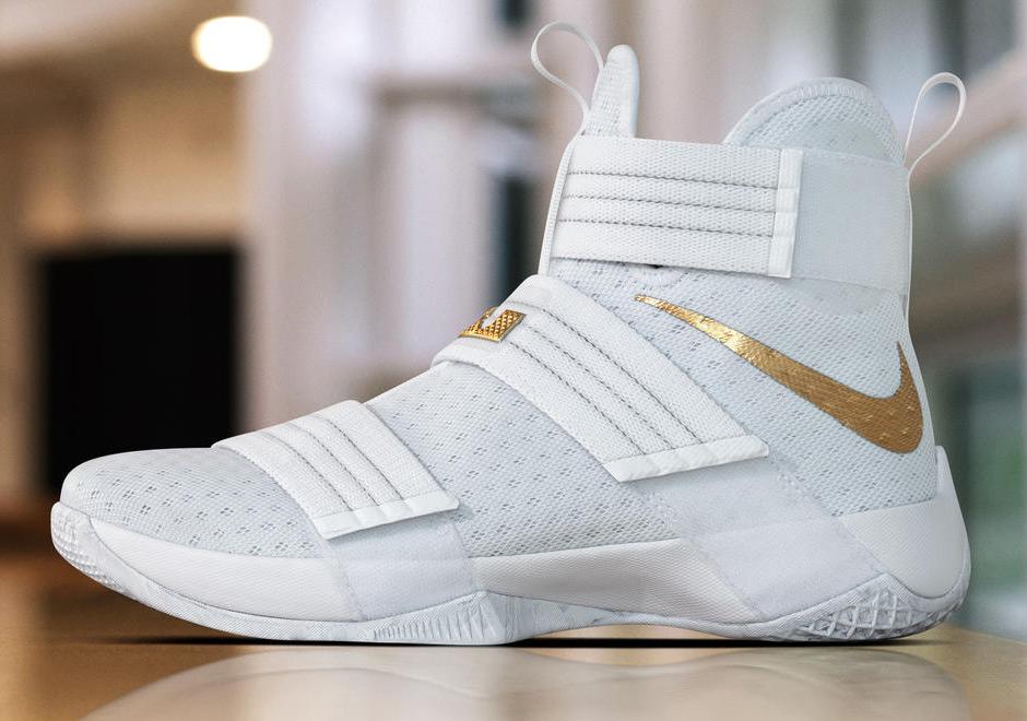 detailed look a7d67 e1c32 Nike Basketball Christmas 2016 NBA PE Shoes  SneakerNews.com