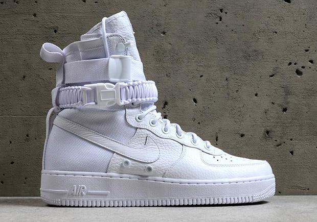48c4b3199 60%OFF Nike SF-AF1 Triple White Foot Locker Release - myfitnesslesite.fr