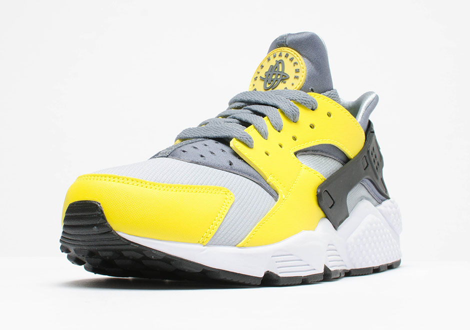 nike huarache yellow and white