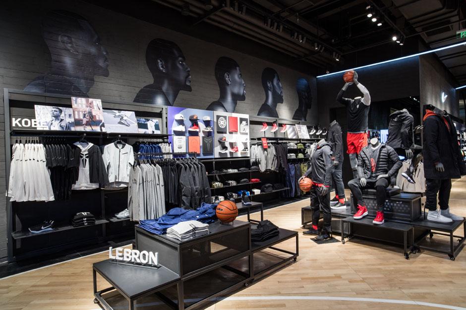 66be36d01d0130 Nike and Jordan Basketball Experience Store Beijing