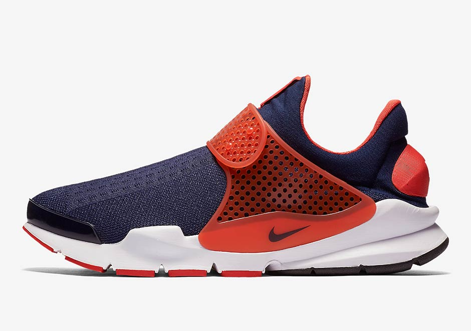 low priced 5f5c8 bf8d8 ... A Nike Sock Dart Colorway Perfect For The (Other) Cavaliers Fans Out  There ...