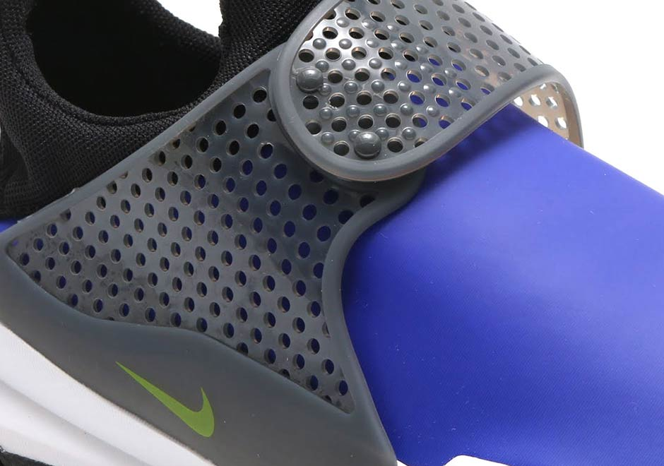 buy popular c558b 0d165 Nike Sock Dart SE Water Resistant 911404-001   SneakerNews.com
